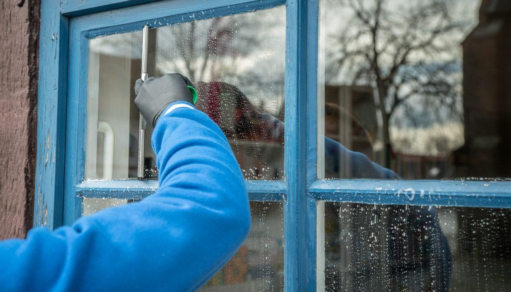 Nettoyeur vitre électrique